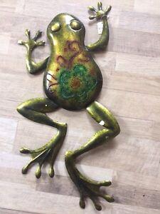 Garden frog decor