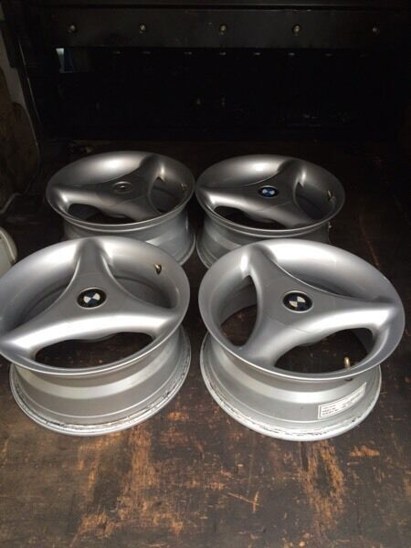 Bmw alloys Tsw rims very rare in great condition original paint