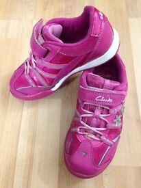 "Girls pinks""lights"" clarks shoes"