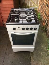 New world 50cm gas cooker (black & silver)