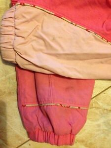 Pink Columbia 2T Snowsuit. Kitchener / Waterloo Kitchener Area image 4