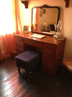 Vintage Desk - solid wood - well-working drawers