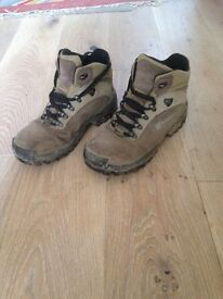 Berghaus women's walking boots size 5