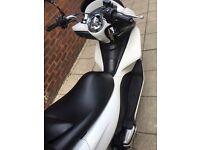 Honda Pcx 2011 * not piaggio zip honda sh ps