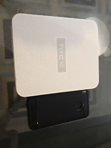 New HTC 10 used for under a month