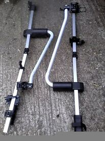 Pair of Halfords Deluxe Roof Bike Carriers