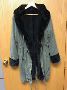 Black and/or Green Faux Fur Trim Hooded Anorak's — XL- 1X