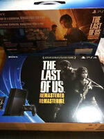 """PLAYSTATION 4 BRAND NEW SEALED BOX  with GAME """" THE LAST OF US"""