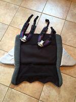 2 harnesses & back cushion