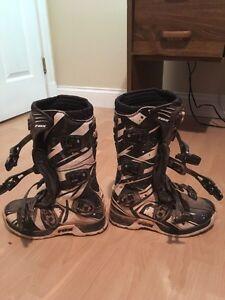 Fox comp 5 boots size 6 Fox 180 race pants size 28