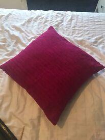 4 pink cushions