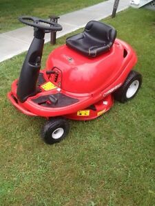"""31"""" TROY Build Riding Mower """"Like New"""""""