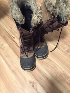 Women's Brown Leather SOREL Waterproof Winter Boots 9
