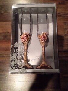 Rustic wedding champagne  glasses and cake cutting set