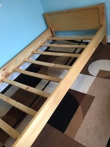 Twin size child's bed with mattress and bedding Peterborough Peterborough Area image 4