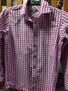 Dress up T-shirt with vest great look 15$ London Ontario image 3