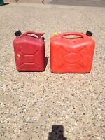 Large and Small Jerrycan