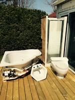 Ensemble bain, douche, lavabo et toilette