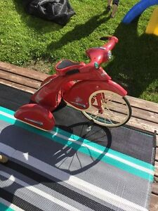 Red Sky King Junior Tricycle By Airflow Collections Inc.