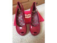 Mel shoes