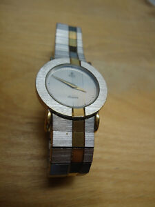 Elegant Azur Two-Tone Ladies Watch with Metal Strap West Island Greater Montréal image 2