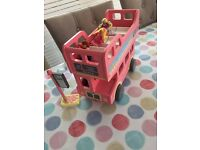 Early Learning Centre - Rosebud Village Bus bus stop & play people £5 !!!!!