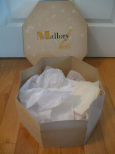 "INTERESTING OLD VINTAGE OCTAGONAL SHAPED ""MALLORY HATS"" BOX"