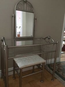 Vanity with seat / makeup table
