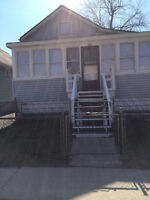 3bdrm house with internet, appliances, sunporch, fenced yard