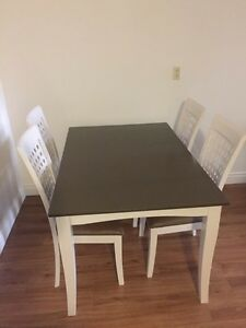 Dining table  200$ Kitchener / Waterloo Kitchener Area image 1