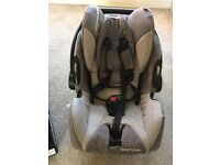 Recaro Young Profi Plus car seat & Isofix base