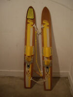 TRAINER WATER SKIS