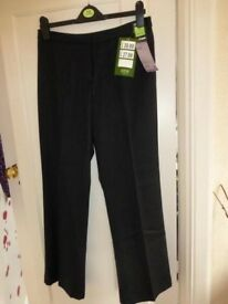 Ladies M&S Italian Fabric Trousers - size 12 BNWT