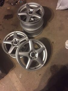 Set of 4 after market rims Oakville / Halton Region Toronto (GTA) image 1