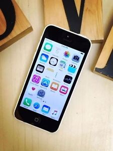 Pre owned iPhone 5C white 16G UNLOCKED au model with charger Calamvale Brisbane South West Preview