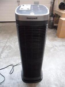 Honeywell HFD323C AirGenius 5 Oscillating Air Cleaner/Odour Reducer with Permanent Filter
