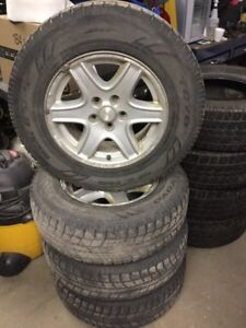 215/75R16 MAGS JEEP PATRIOT PNEUS USÉS CROCHE7/32 5x114.3