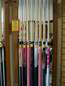 POOL CUES - UP TO 50% OFF!!! - CUE CASES, BILLIARD CLOTH Kitchener / Waterloo Kitchener Area image 1