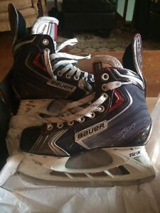 Bauer Vapor  x80 youth size 3.5 $50
