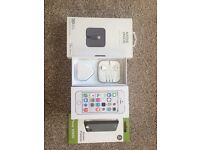 iPhone 5s Bundle in Mint Condition