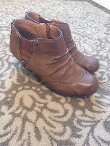 Ankle boots (size 11)