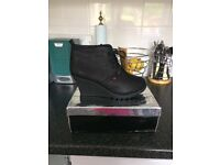 Wedge lace up boots black 6/7 £10 ono
