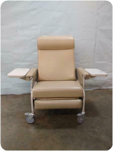 WINCO PATIENT RECLINER CHAIR @ (229141)
