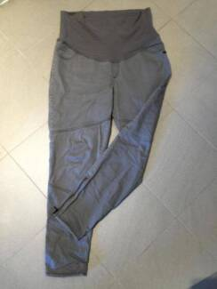 Maternity jeans (Size 14)