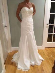 ELEGANT MORI LEE WEDDING DRESS - SIZE 2