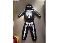 H&M 3-4 years skeleton tracksuit/ Halloween costume
