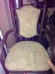 Dining set 6 chairs. WOW  London Ontario image 2