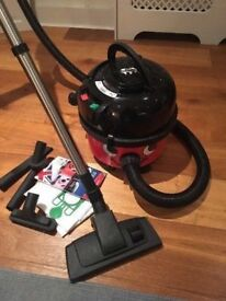 **HENRY HOOVER**INDUSTRIAL VACUUM CLEANER**VERY GOOD CONDITION**BARGAIN**COMES WITH ACCESSORIES ETC*