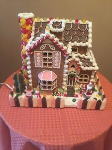 Large as new Gingerbread House Lighted