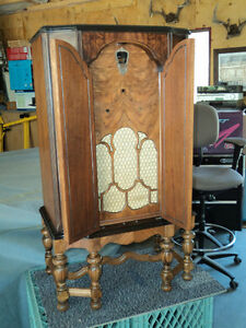 Antique Rare Marconi Radio   Priceis now reduced to $300.00